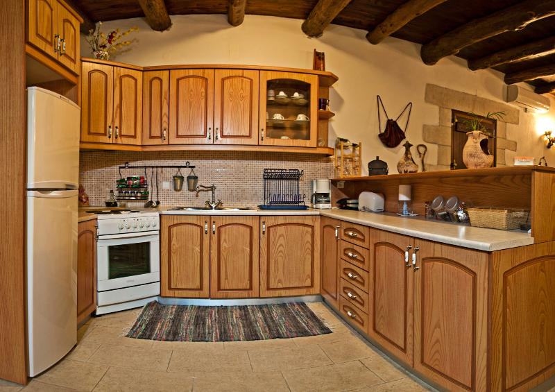 Kitchen Villa Aloni