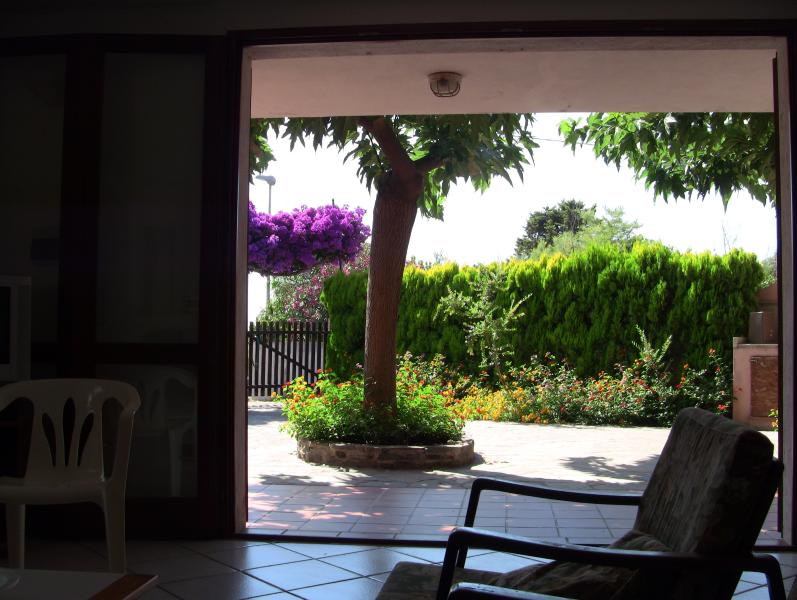 Nice house with private garden, vacation rental in Oristano
