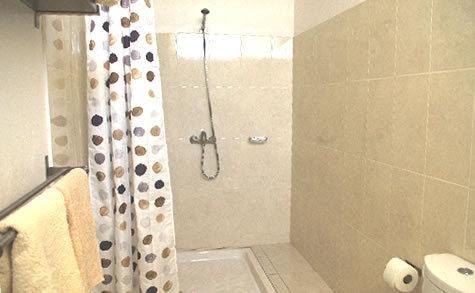 Gite 3 shower room