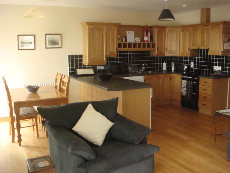 10 Atlantic Bay, Portstewart SEA VIEWS WIFI, vacation rental in Portstewart