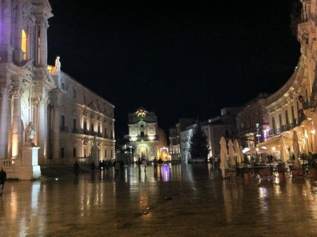 Piazza Duomo, Siracusa (15 km)