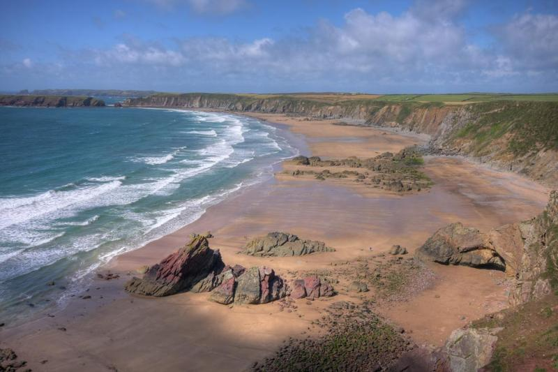 Stunning Marloes Sands 5km away by car or a walk along the cliffs of the Pembrokeshire Coastal Path