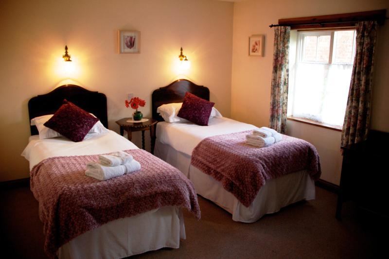 Gardeners Cottage twin room