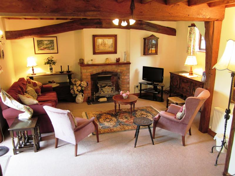 Gardeners Cottage open-plan sitting room