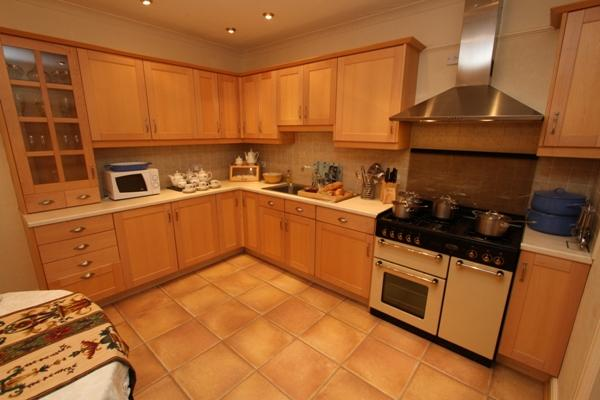 Well equipped kitchen at Godre'r Graig