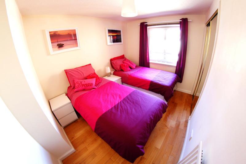 Deuxième chambre à coucher (lits jumeaux)
