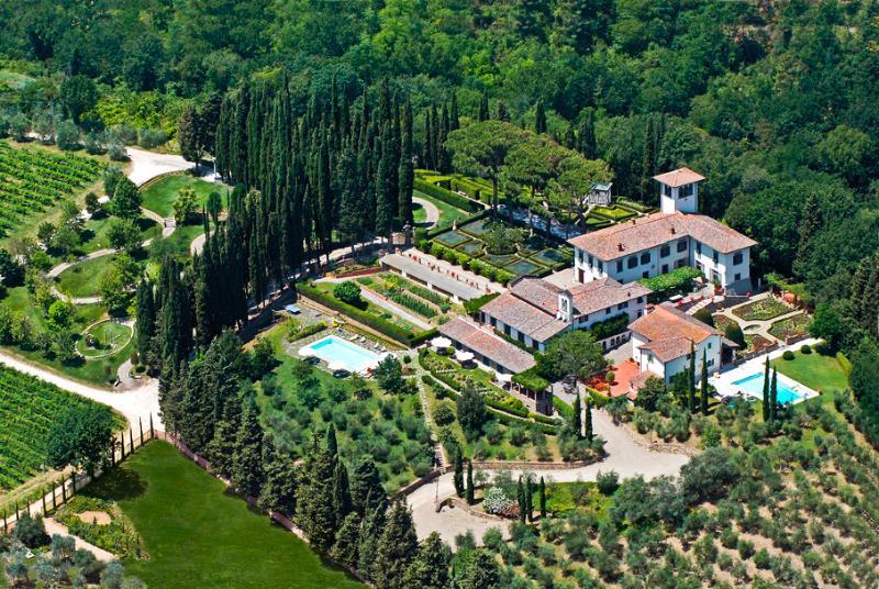 Villa Licia, the estate