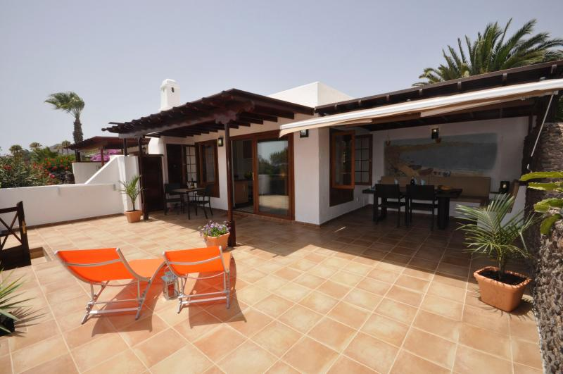 The lovely 'Casa Isla' in Playa Blanca., vacation rental in Playa Blanca