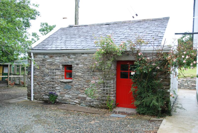 The seanteach..a little house next to Hawthorn Cottage.You can play table tennis here or find a bike