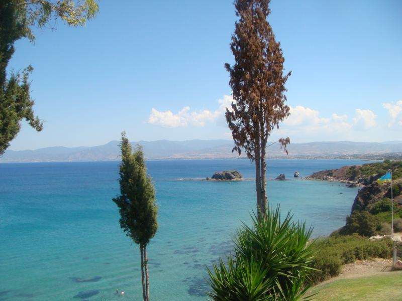 Another view of the Polis/Chrysouchous bay from the Baths of Aphrodite