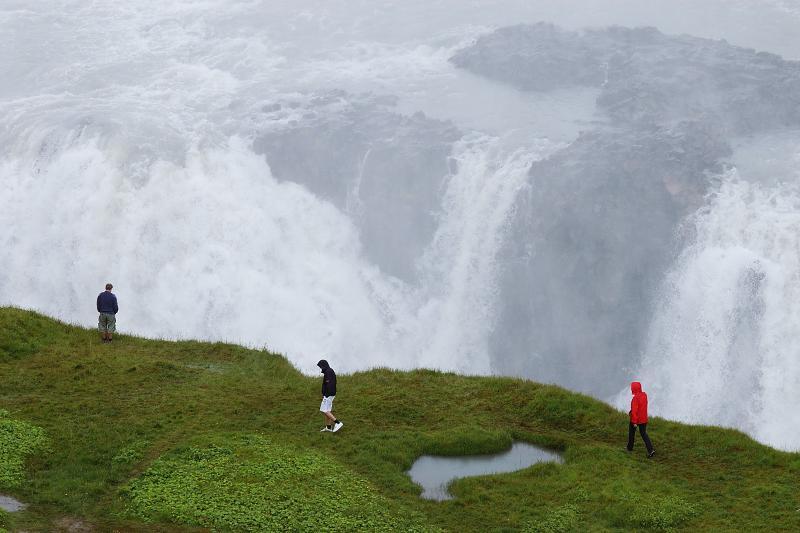 Gullfoss - Europas plus grande chute d'eau. Promesse, vous vous sentirez petit. 40 min.drive du gîte.