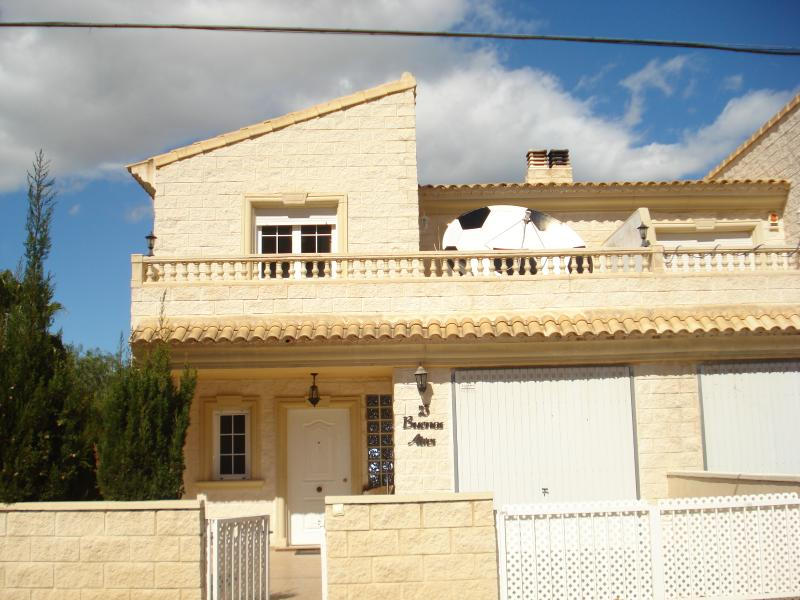 Villa Cormora, a comfortable and spacious property that will sleep 8 people, located in Albir