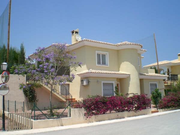 Villa Jacaranda Bonalba, El Campello, private pool, located at golfcourse, airco, vacation rental in Tibi