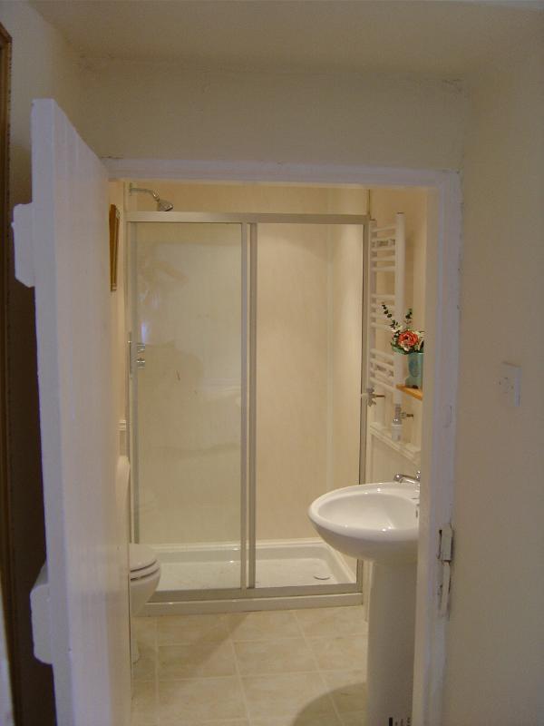 En Suite shower room  off master bedroom - great shower !