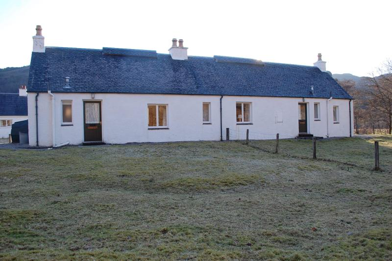 The cosy East Bothy with wood-burning stove & deer, holiday rental in Ross and Cromarty