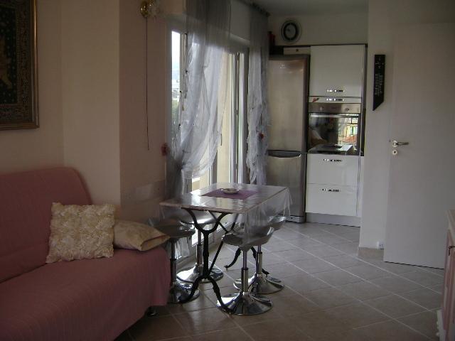 Élégants meubles