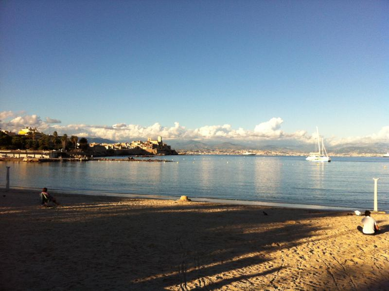 another beach within walking distance, plage de ponteil, with views over Vieil Antibes and the Alps