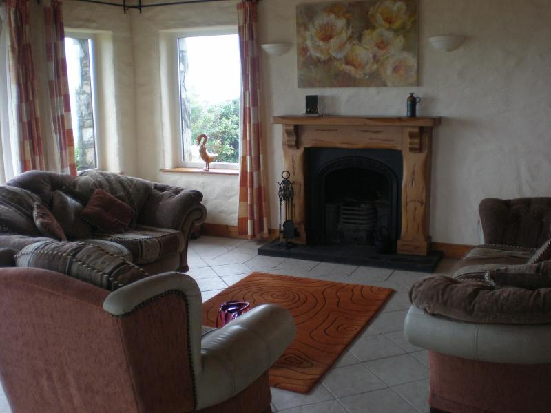 Tranquil Killadoon a home from home in an area of outstanding beauty – semesterbostad i County Mayo
