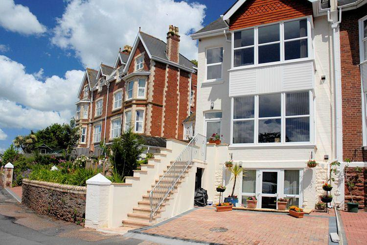 Apartment One - High Gables Has Ocean Views and Housekeeping ...