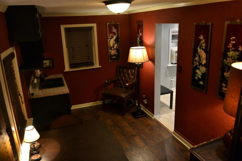 Main living room with Kitchenette,  Oriental Wall art & 2 inch blinds