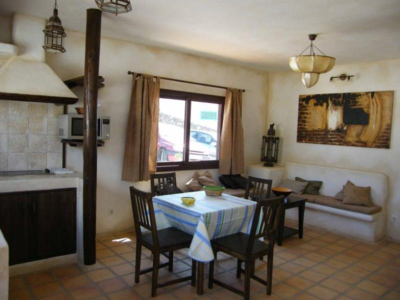 Apartamento Bermeja de un dormitorio en finca privada con piscina, holiday rental in Las Brenas