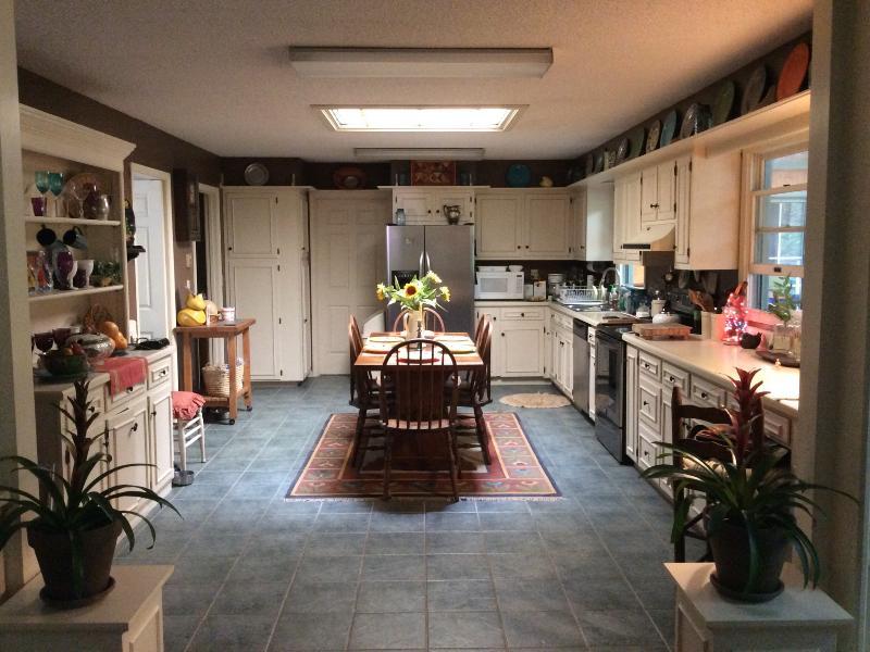 Large eten in keuken