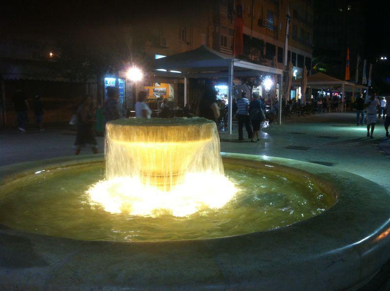 Netanya center, evening