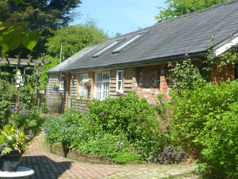 Defoe House, Bed and Breakfast in seperate annexe, vacation rental in Lymington