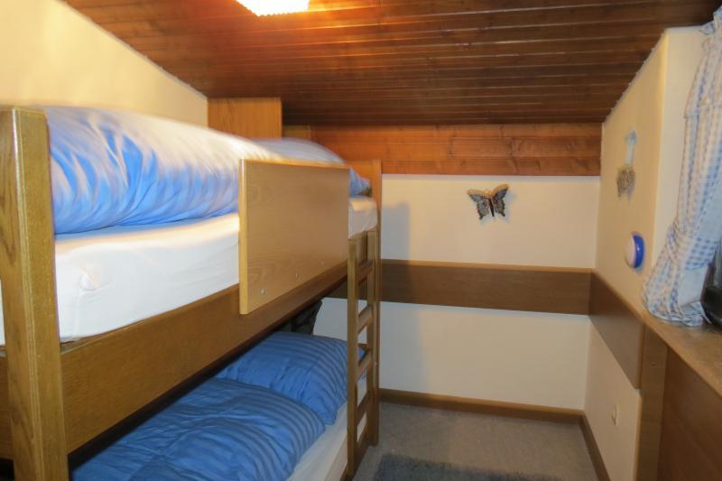 Comfortable bunk room sleeps 2 Lots of shelves and a single wardrobe