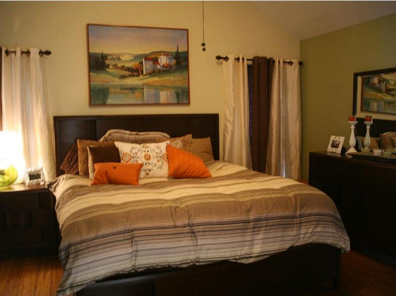 Family get-a-way in a quiet area w/ awesome arcade, vacation rental in Princeton
