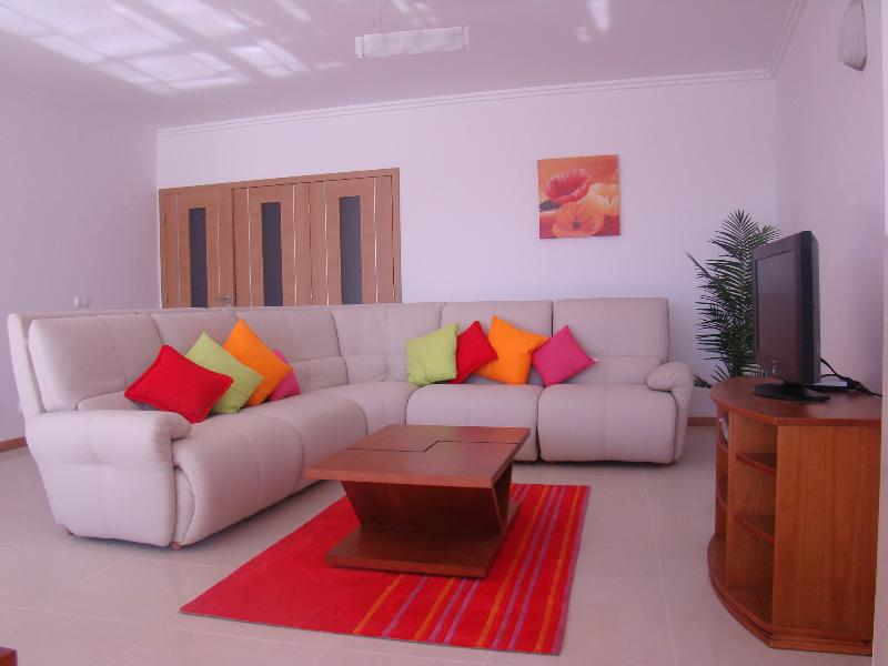Villa Peralta, vacation rental in Seixal