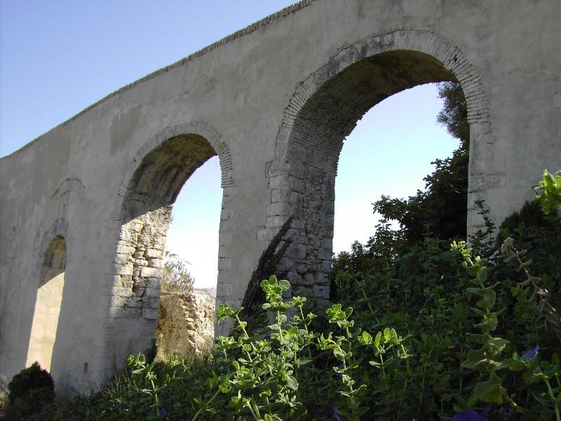 Santa Lucia Aquaduct