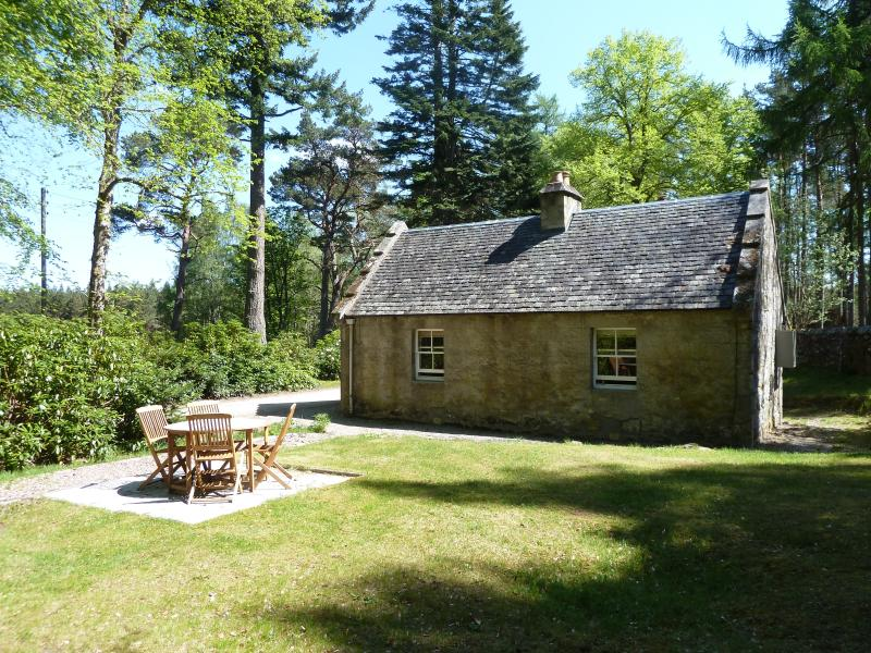 Gate Lodge's sunny and private garden