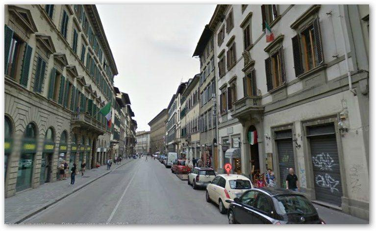 Via Martelli, apartment location near the Cathedral