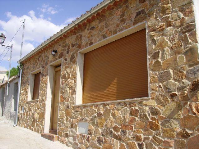 Casa Rural de 102 m2 de 3 dormitorios en Galindust, holiday rental in Guijuelo