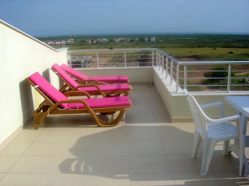 Penthouse Private Sun Terrace & sun lougers