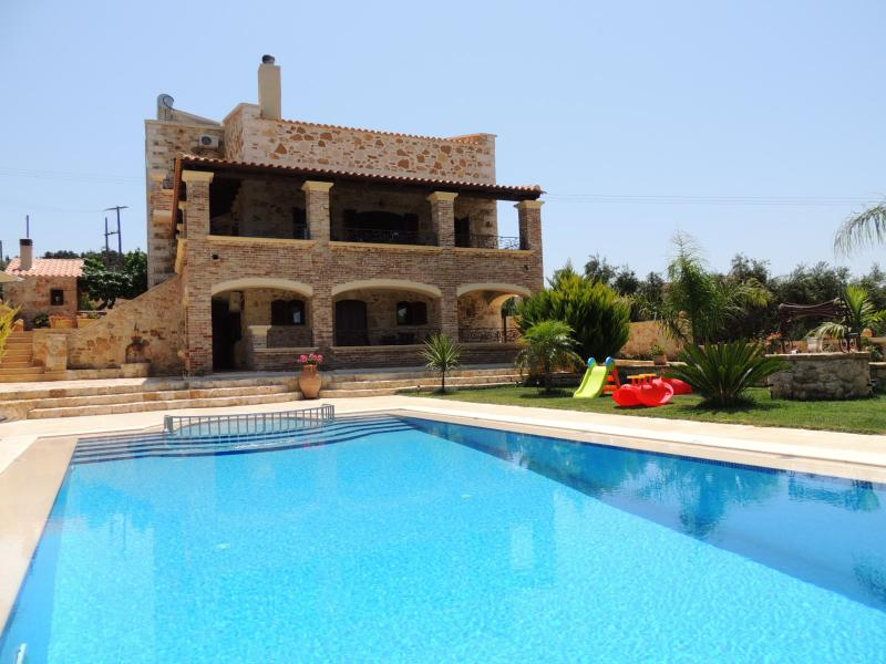 Villa Anna, pool and garden