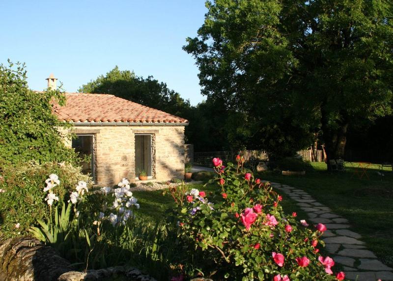 Le cottage des Clauzals: un havre de paix, aluguéis de temporada em Alzon