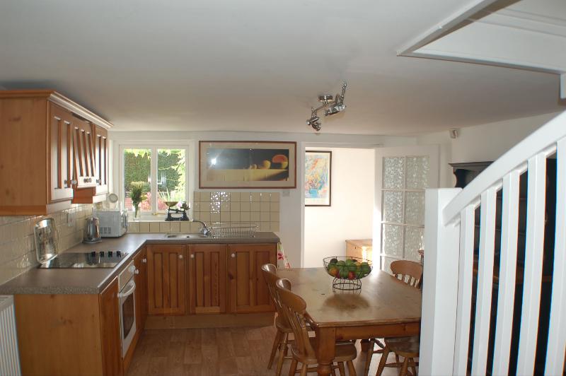Farmhouse style dining kitchen