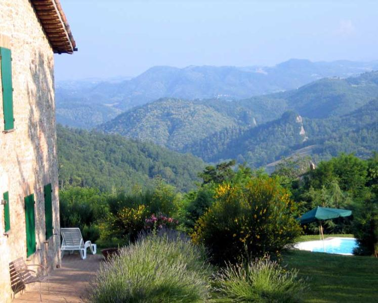 Views of the Sibillini Mountains - Big garden and private pool