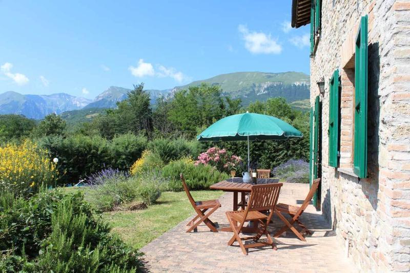 Schönes italienisches Bauernhaus mit Blick & Pool