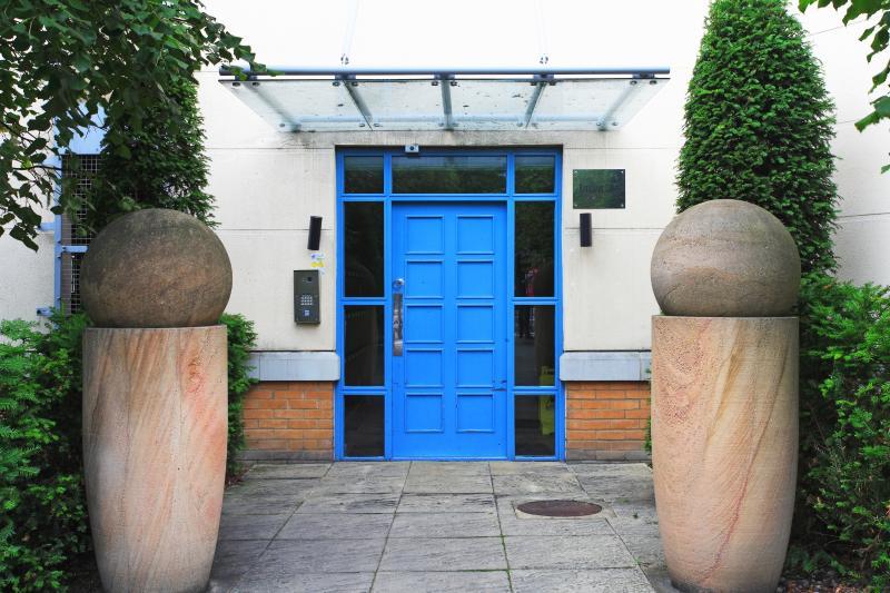 Main Entrance, Handleys Court, Hemel Hempstead