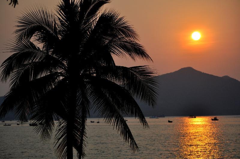 Evening at the Bang Saree sandy beach