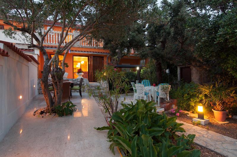 House Lucija, alquiler de vacaciones en Rab Island