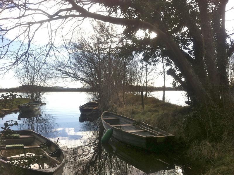 Lough Derg, appena un chilometro di distanza
