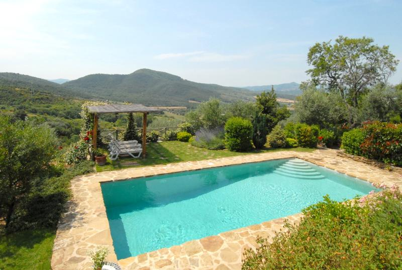 Picture of the pool with a view of the beautiful Umbrian countryside.