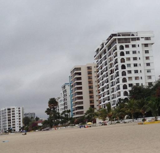 Chalet en Salinas Beach- Mar Bravo, aluguéis de temporada em Santa Elena