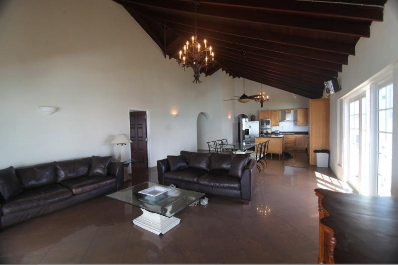 #5-lounge