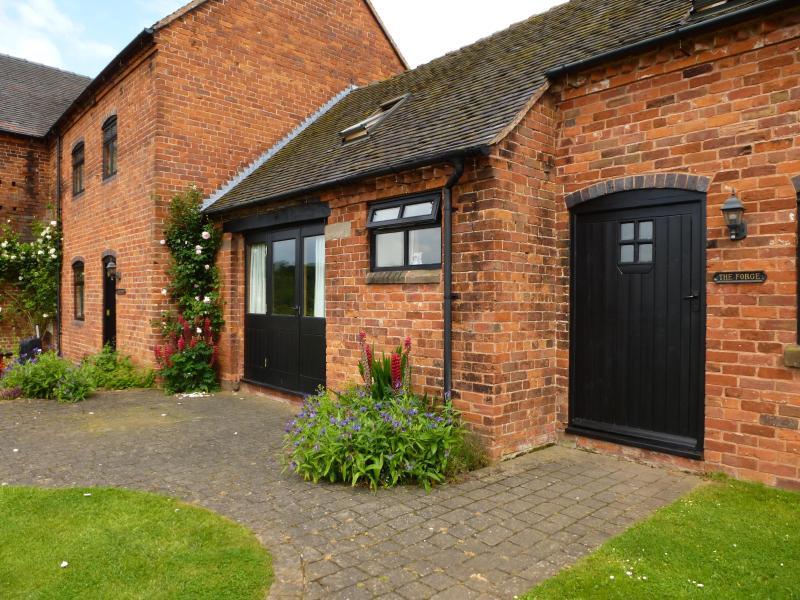 The Forge, Offley Grove Farm, Adbaston, Stafford ST20 0QB, holiday rental in Eccleshall