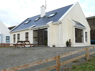 Rathryan Cottage - at the home of Star Wars Ep.8!, holiday rental in Carndonagh
